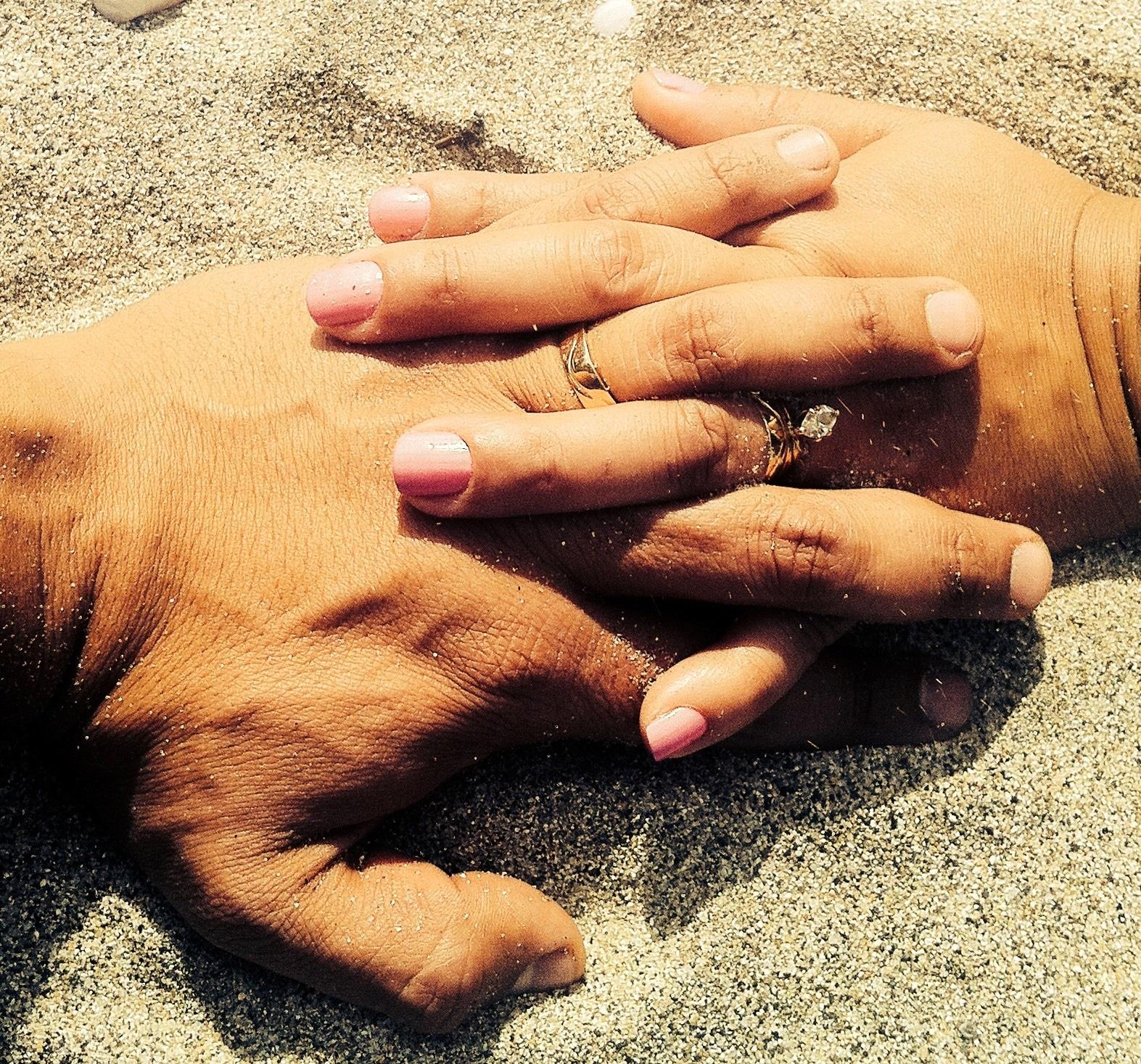 Pareja manos (2)